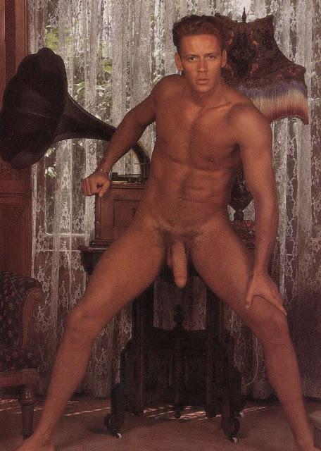 Foto porno de rocco desnudo