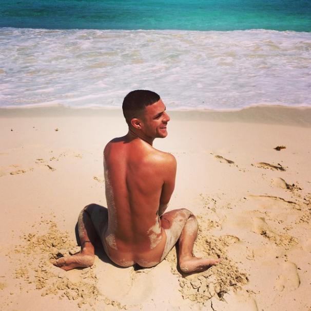 Hombres desnudos de hermano mayor Australia