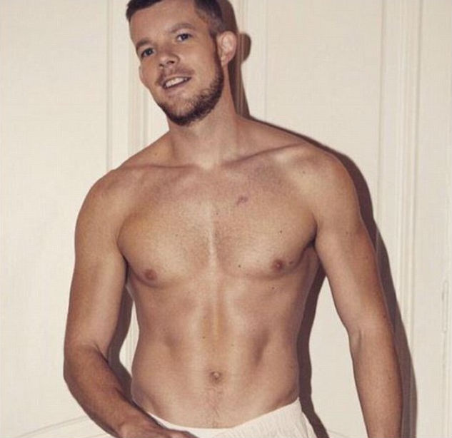 Russell Tovey desnudo