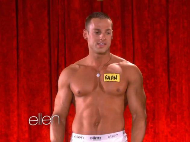 Ellen presenta linea de ropa interior masculina con tios en Once
