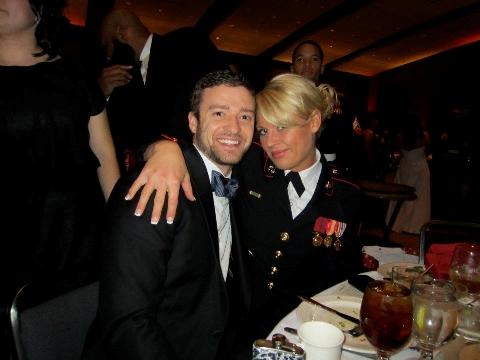 Justin Timberlake en la cena de los marines