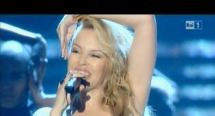 VÍDEO: Kylie Minogue canta dos temas en la gala de Miss Italia