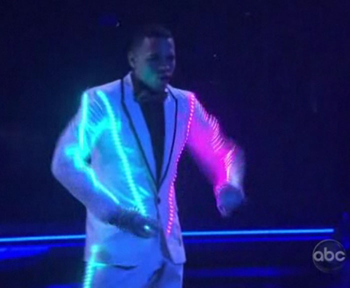 Chris Brown baila mucho mejor que Britney Spears