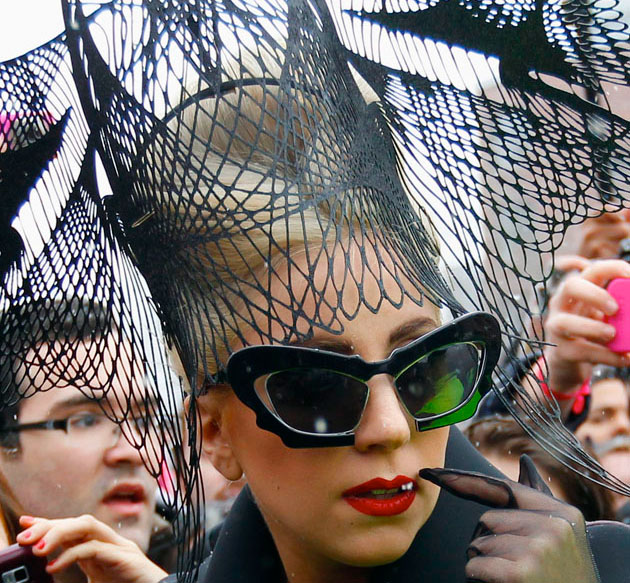 Lady Gaga inaugura 'Born This Way Foundation' en Harvard