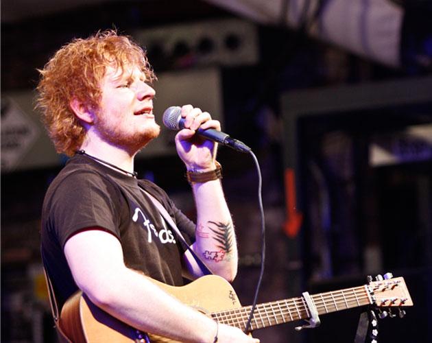 Ed Sheeran estrena nuevo clip 'Give Me Love' | CromosomaX