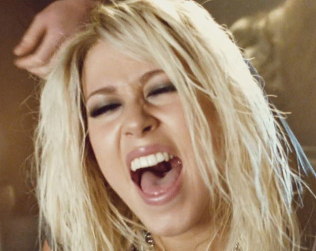 Amelia Lily ya tiene vídeo para 'Shut Up (And Give Me Whatever You Got)'