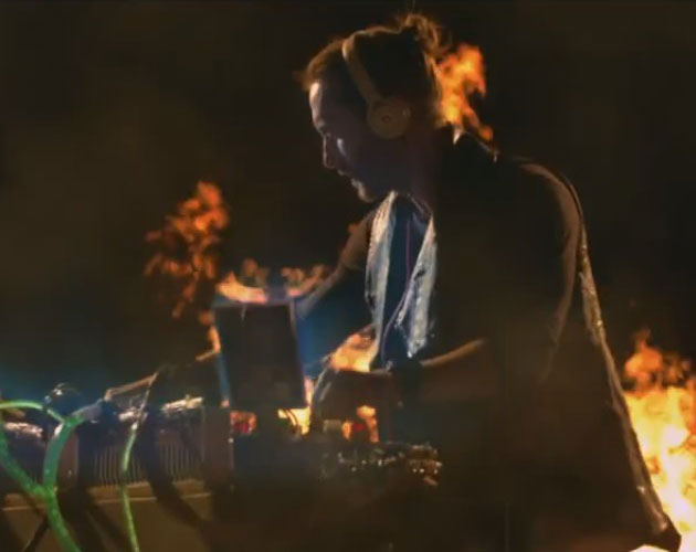 Nuevo vídeo de David Guetta, 'Just One Last Time' con Taped Rai