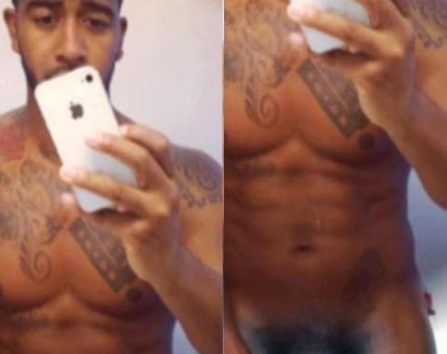 sacudir joven desnudo