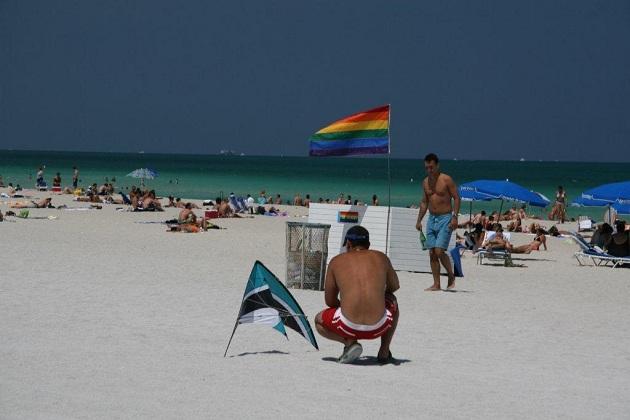 gay en paseo maritimo