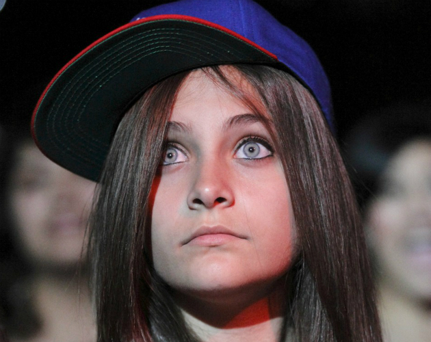 Paris, hija de Michael Jackson intenta suicidarse