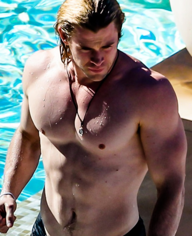 Fotos de Chris Hemsworth desnudo antes de Thor 2
