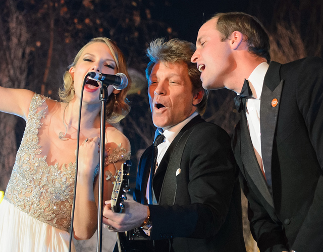 Taylor Swift canta con el príncipe Guillermo y Bon Jovi 'Livin' On A Prayer'