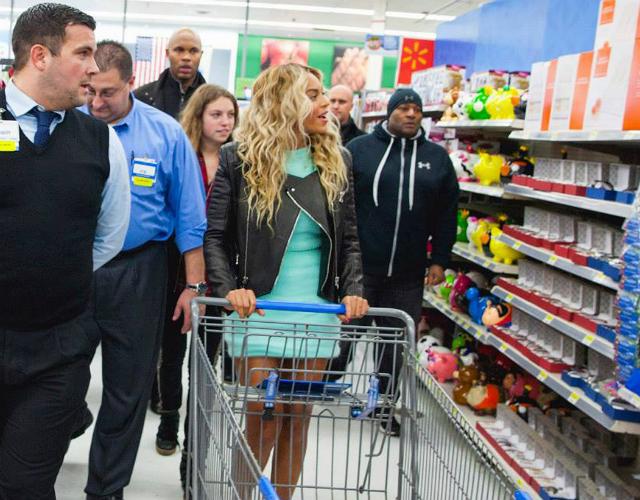 Beyoncé regala 50 dólares a todos los compradores de un Walmart ...