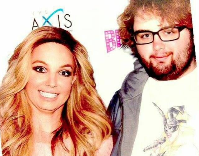 Los fans de Britney Spears piden más tiempo en el Meet & Greet | CromosomaX