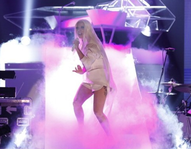 Lady Gaga interpreta 'ARTPOP' en Jimmy Fallon