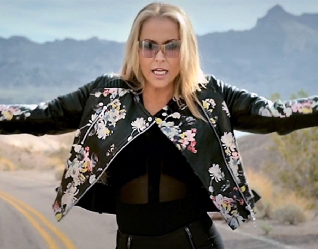 Anastacia estrena 'Dark White Girl', nueva canción, y previews de su nuevo disco 'Resurrection'