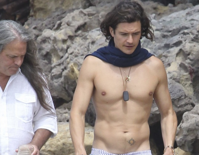 Orlando Bloom, cuerpazo en la playa