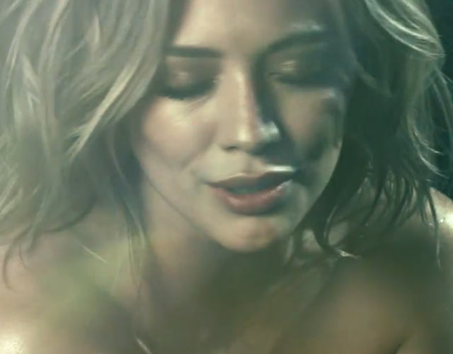 Hilary Duff desnuda en el lyric video de 'All About You'