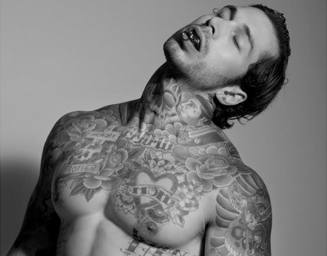 Alex Minsky desnudo Out