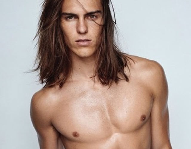 Travis Smith, desnudo en las 'Towel Series' de Mario Testino