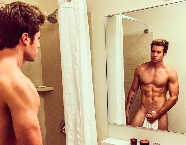 Ashley Parker Angel desnudo en Instagram