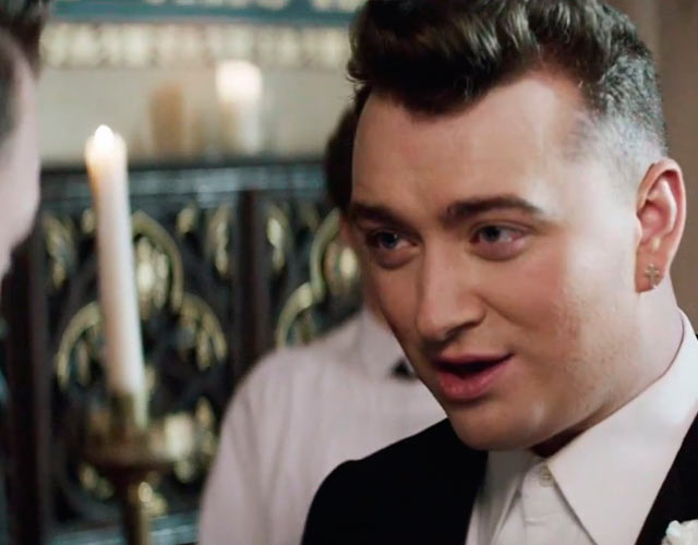 Sam Smith defiende el matrimonio igualitario en el vídeo de 'Lay Me Down'