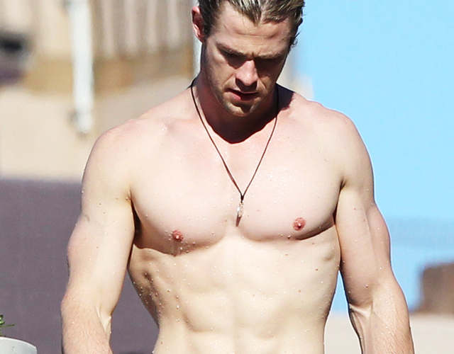 chris hemsworth pene
