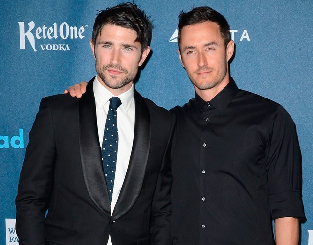 Matt Dallas desnudo boda gay