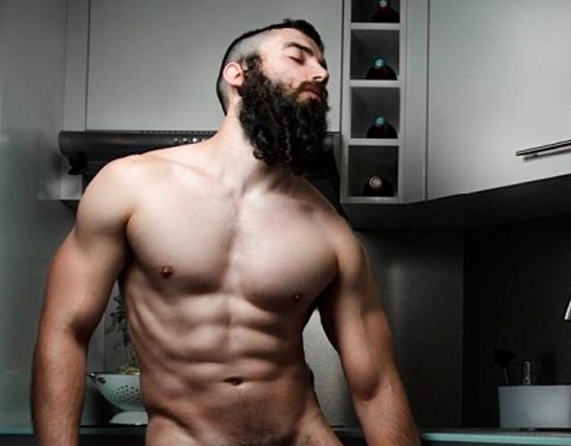 erección desnuda