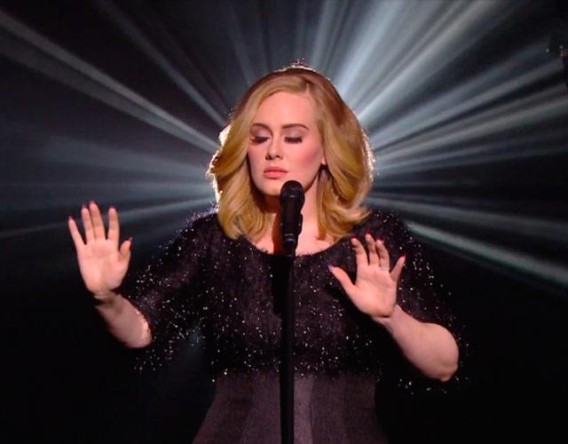 PROOF Adele Is Part Of The ILLUMINATI? If You Turn Adele's Album 25 Upside  Down