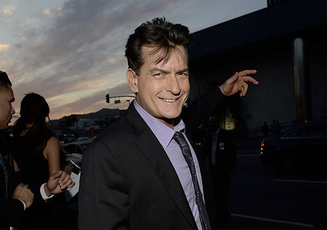 La sex tape gay de Charlie Sheen. ¿Real o no?
