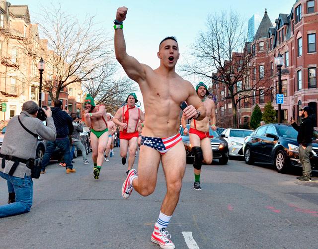 gay corriendo