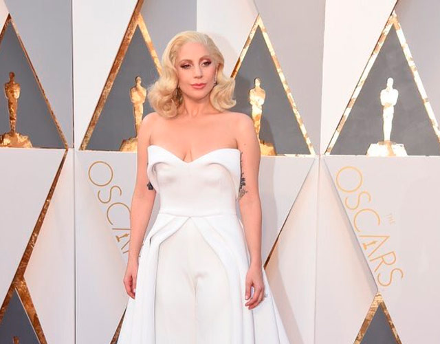 Lady Gaga canta 'Til It Happens To You' en los Oscar 2016, pero no gana