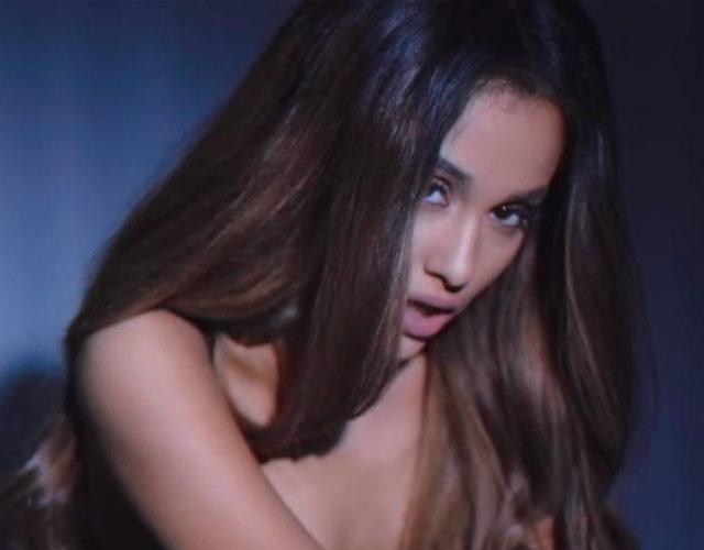 Ariana la grande se desnuda-6794