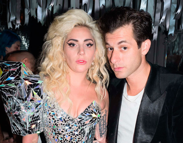Lady Gaga Mark Ronson Burning down the house