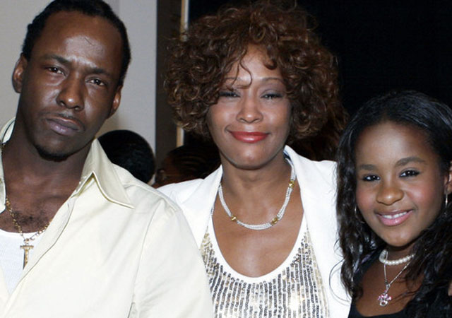 Bobby Brown confirma las relaciones lésbicas de Whitney Houston