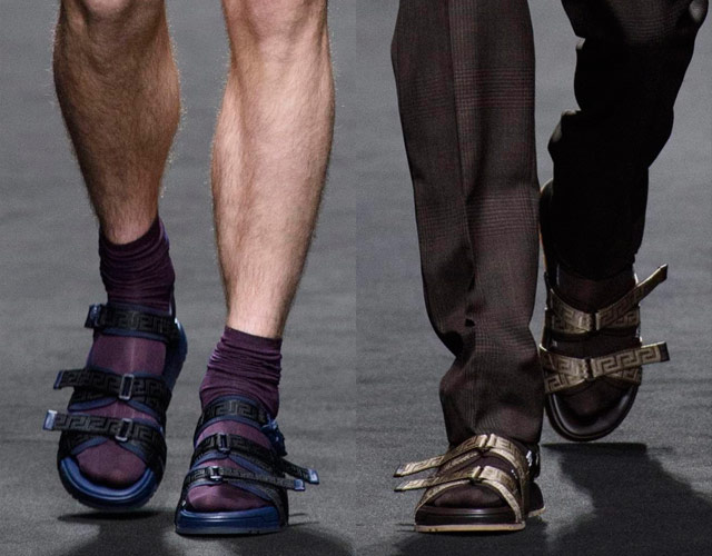 Sandalias con calcetines, entre las tendencias de Milan Fashion Week