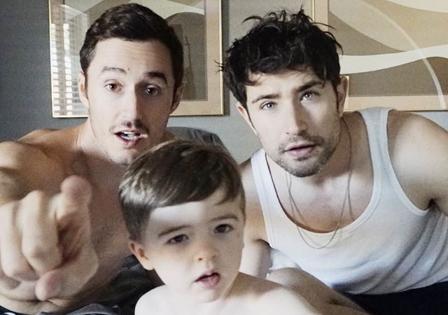El actor Matt Dallas comparte un vídeo de su vida como padre gay