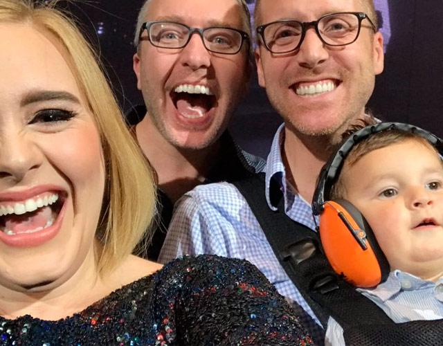 Adele selfie padres gays