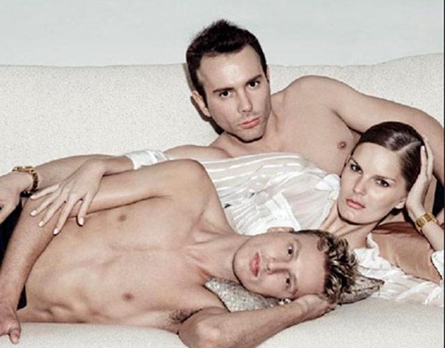 3 мужчины и 1 женщина: порно фото
