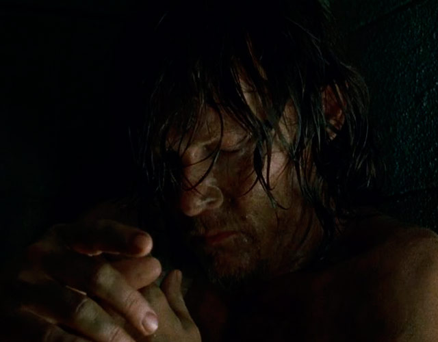 Norman Reedus desnudo en 'The Walking Dead' 7x03