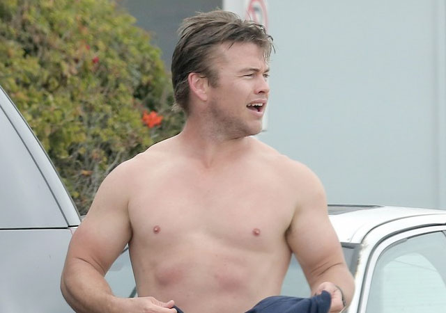 Luke Hemsworth desnudo, el hermano de Liam y Chris