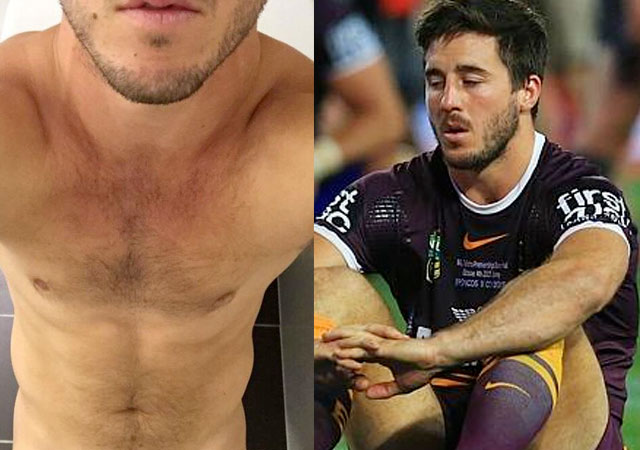 Hot Australian rugby player nude selfies