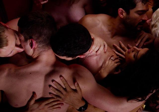 Cómo hacer un orgía si eres gay con heteros