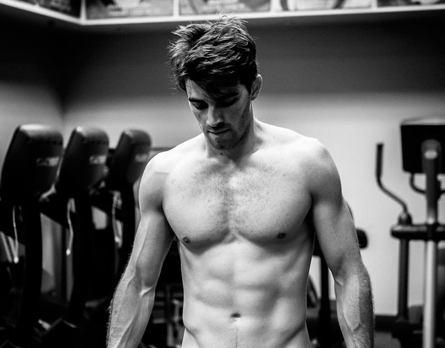 Andrew Taggart desnudo de The Chainsmokers