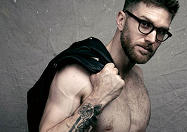 Las mejores fotos de Joel Dommett desnudo