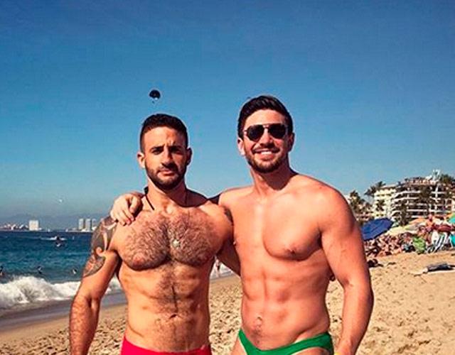 Eliad Cohen y Steve Grand juntos en la playa
