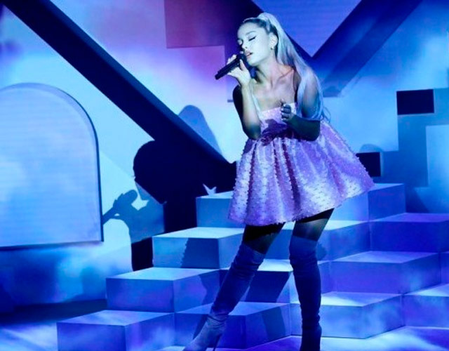 ariana grande sweetener - photo #16