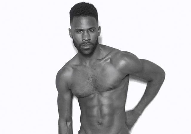 El actor de 'Jane The Virgin' Sean Samuels desnudo y lo enseña todo