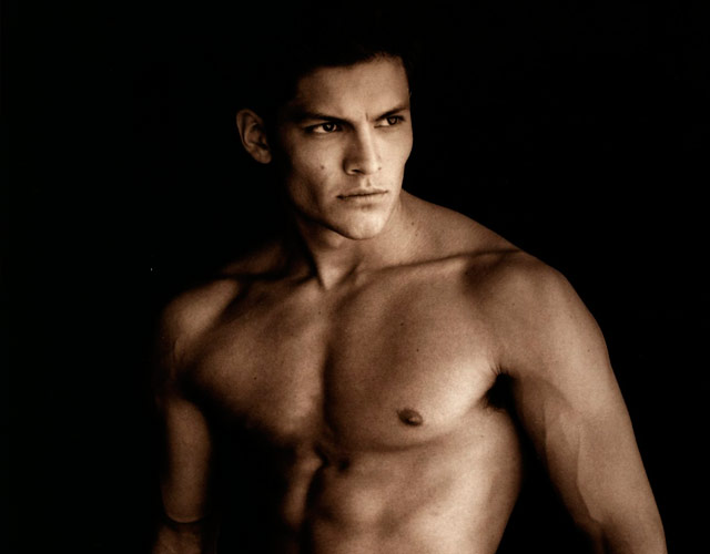 Nicholas Gonzalez desnudo integral, el chulazo de 'The Good Doctor'